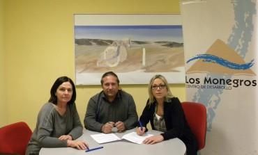 Firmado el convenio para la gestión del Centro de Interpretación de la Guerra Civil en Aragón ubicado en Robres