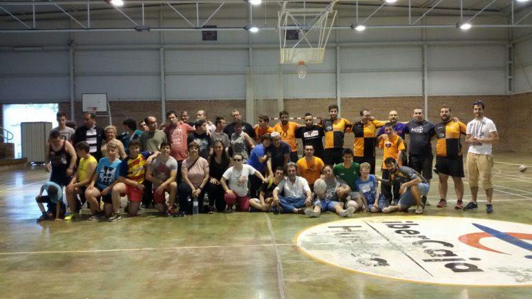 Muchachos con síndrome de Down de Bulgaria, Sicilia y de Huesca conviven en el campamento europeo de Fonz