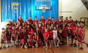Benasque se tiñe de caísta con el Basket Alta Ribagorza