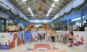 """Entrega de premios a las postales seleccionadas para decorar Coso Real """"Viaja al mundo de la Navidad con Coso Real"""""""