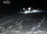 La Guardia Civil rescata de madrugada a dos montañeros extraviados en Piedrafita de Jaca
