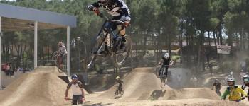 Miguel Gracia y Ramón Capel abren en Vencillón las puertas del primer Bike Park aragonés