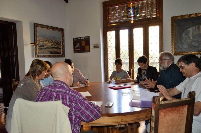 Visita al Ayuntamiento de una delegación de un instituto de Olorón