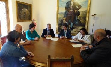 """Convenio entre Ayuntamiento de Huesca, Obra Social """"la Caixa"""" y F. A. G. A. para la intervención social en el barrio del Perpetuo Socorro"""