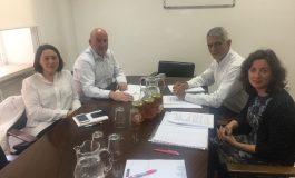 AVESPA se pone a disposición del Ministerio de Agricultura para potenciar la sanidad apícola