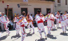 Los danzantes, centro de atención de las fietas de Santa Quiteria en Tardienta