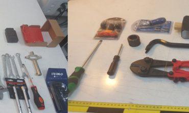 La Guardia Civil detiene a dos personas por robos en establecimientos de telefonía móvil en la denominada 'Operación Tomizas'