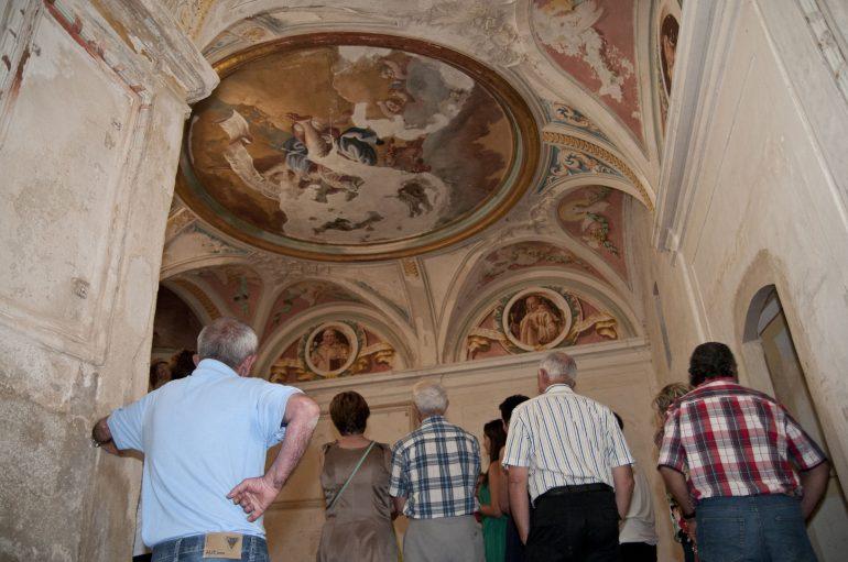 La DPH alterna la restauración de La Cartuja con el programa de apertura con 5.000 visitantes que hoy han podido acceder a los claustrillos