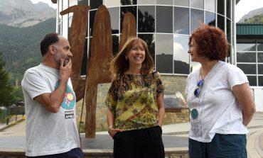 """Berta Fernández destaca que la renovación de públicos """"garantiza  el futuro de Pirineos Sur"""""""