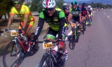 Los altoaragoneses se suben a la bici y hacen visible que es posible la convivencia entre ciclistas y conductores