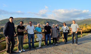 El diputado provincial de Cambiar, Luis Arduña, se reúne con la asociación Jaca Sin Perder el Norte