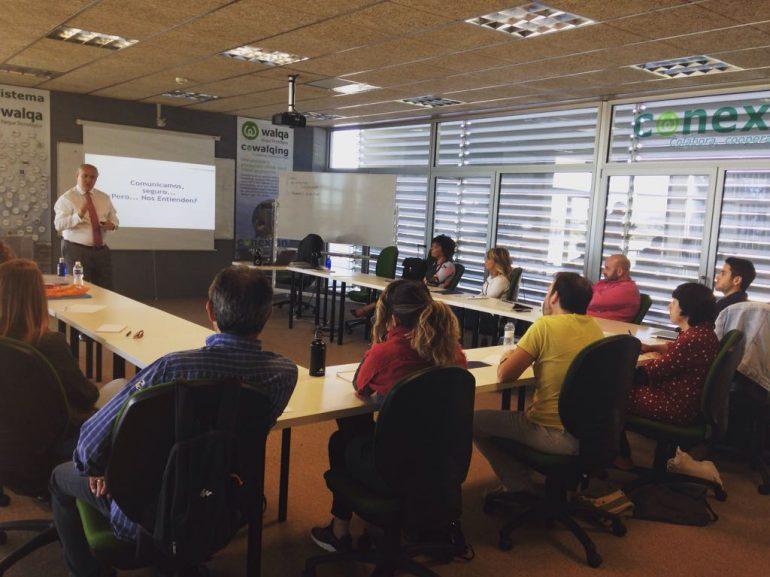 Veintiocho Comunicación Creativa inicia en Walqa junto al consultor Emilio G. Carrasco el ciclo formativo 'Desarrollo personal con abrefácil'