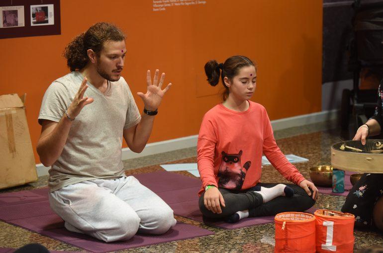Niños, padres, madres y docentes ponen en práctica la Atención Plena de la mano de los mayores expertos en Mindfulness