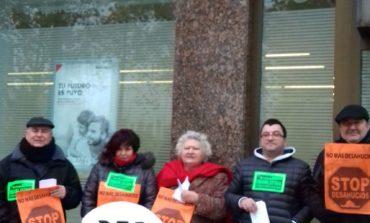 Campaña de PAH Fraga para evitar el deshaucio de una pareja de jubilados fragatinos