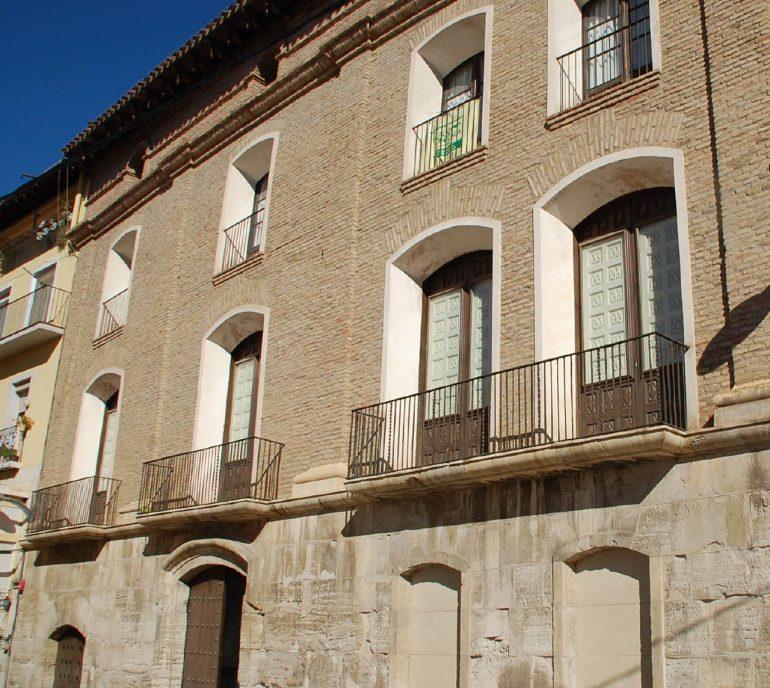IU pregunta al Ayuntamiento de Fraga por los ordenadores de uso público de la biblioteca del Ayuntamiento del Palau Montcada