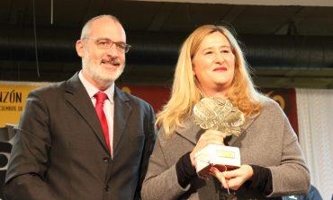 Luz Gabás y La Ronda de Boltaña dan brillo a la clausura de la Feria del Libro Aragonés de Monzón