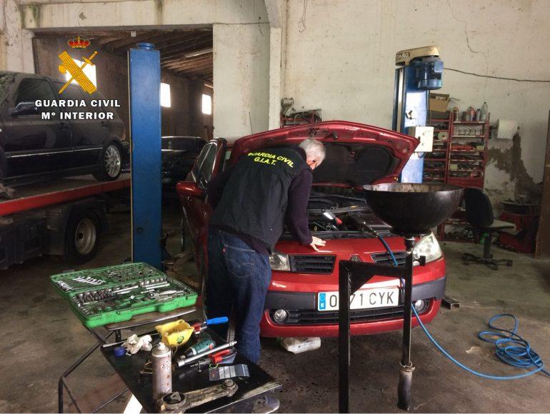 La Guardia Civil detecta un taller ilegal de reparación de automóviles en la Comarca de la Hoya de Huesca