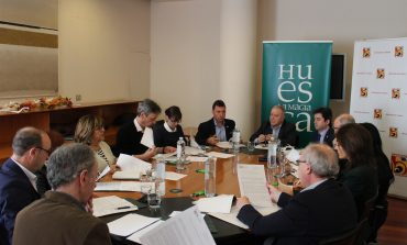 Constituido el nuevo Consejo de Administración de TuHuesca con Miguel Gracia como presidente y Elisa Sancho como vicepresidenta