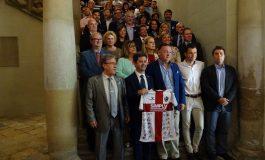 El alcalde anuncia que la SD Huesca lanzará el cohete de San Lorenzo por acuerdo unánime