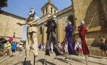 Los Titiriteros de Binéfar encabezan la programación familiar de Pirineos Sur, que incluirá circos, pasacalles, conciertos y talleres