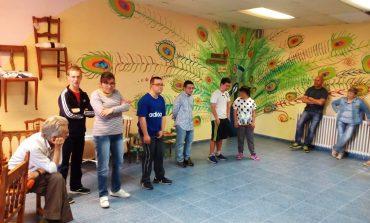 Los artesanos de Down Huesca muestran su trabajo en la jornada de puertas abiertas del taller de artesanía