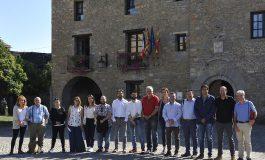 Aínsa-Sobrarbe recibe el galardón como ganadora de la Capital del Turismo Rural 2018
