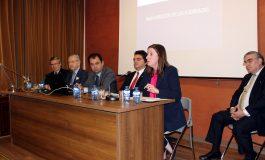 Expertos en heráldica se reúnen en el Instituto de Estudios Altoaragoneses para debatir sobre los vínculos entre simbología y territorio