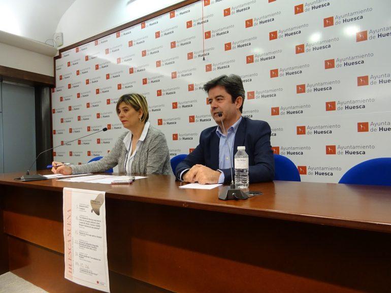 """El alcalde presenta el ciclo cultural """"Huesca suena"""", con música, conferencias y visitas en torno a la Campana"""
