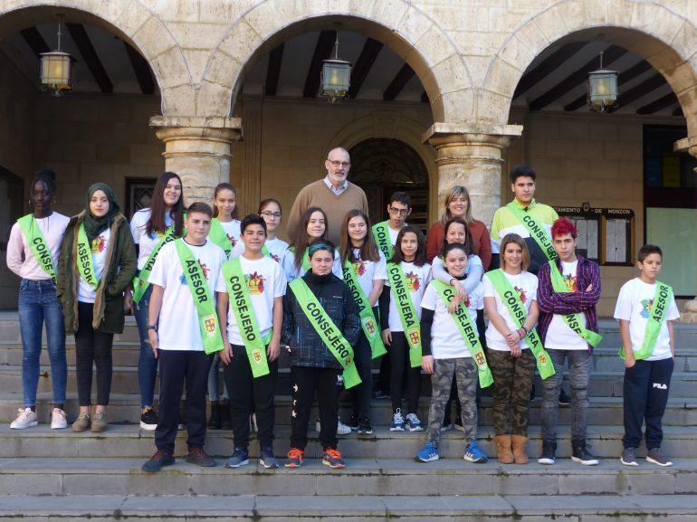 Los representantes de la infancia y adolescencia de Monzón continuarán trabajando en su proyecto de mejora de la imagen de la ciudad
