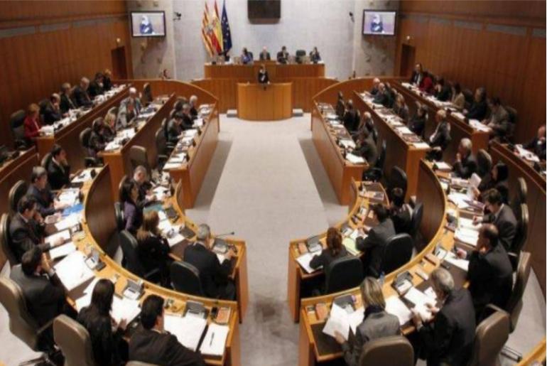 Debate en el parlamento aragonés sobre la relación entre juegos de azar y ludopatía