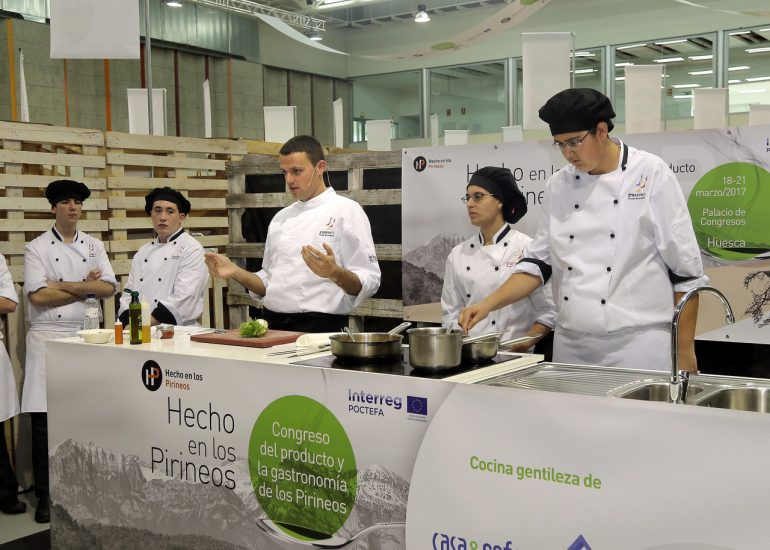 La escuela de hostelería de Guayente oferta tres menús Hecho en los Pirineos