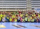 Los colegios San Vicente y Juan XXIII con el Bada Huesca