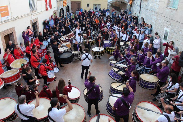 Azanuy reunió trescientos tambores y bombos en su XVI Exaltación