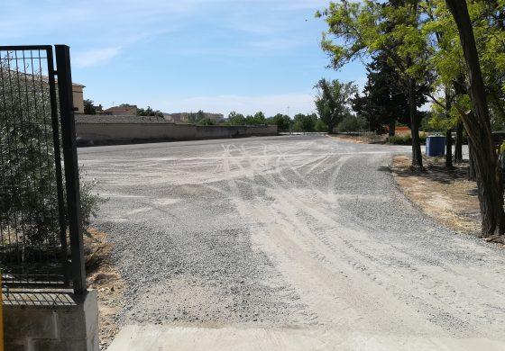 Acondicionamiento de un nuevo aparcamiento junto a Salesianos en Monzón