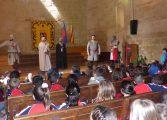 Medio millar de alumnos montisonenses de Primaria se acercan al Monzón medieval