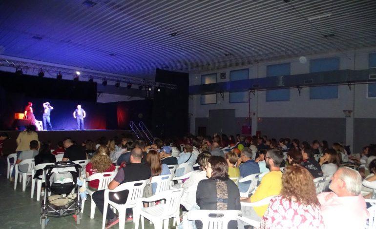 El Aula Municipal de Teatro de Altorricón despide a la profesora Emma Bravo con el 21º Aniversario del aula