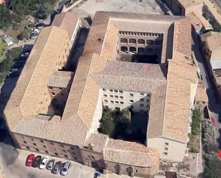 El Colectivo Ciudadano de Huesca sugiere al rector de la Universidad de Zaragoza que utilice para sus proyectos las dependencias vacías de la Residencia Provincial de Niños, de manera que en el conjunto del Seminario se pueda ubicar el Archivo General de Aragón