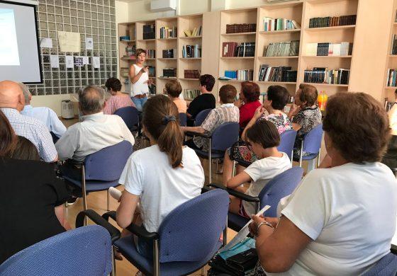 Animada charla en Capdesaso para conocer los servicios de la Oficina Comarcal de Información al Consumidor de Los Monegros