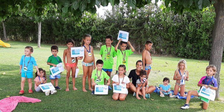 Los cursos de natación y actividades acuáticas de la Comarca de La Litera ganan adeptos este verano