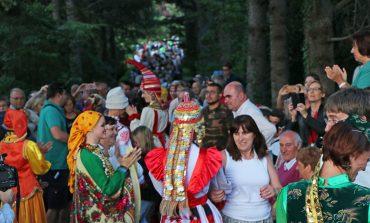 Jaca vive ya la fiesta del folklore