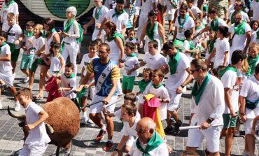 Cientos de niños disfrutan en Huesca del espectáculo taurochiquillos
