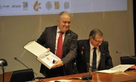 Miguel Gracia destaca el papel de los sanitarios en los servicios de bomberos en la clausura de las XXIX Jornadas Nacionales