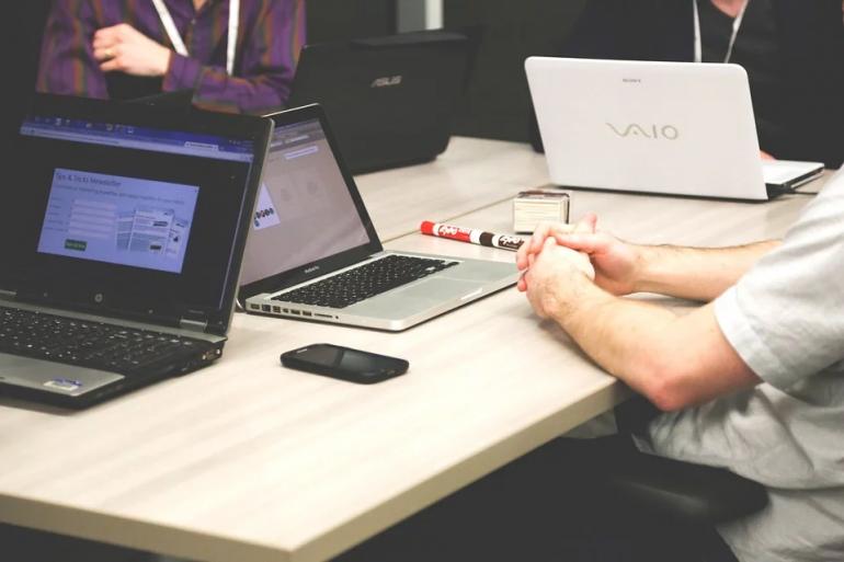 Cómo contratar una buena agencia de posicionamiento web y no fracasar