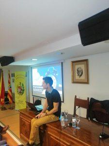 El Dr. Jorge García-Dihinx Villanova en un momento de la charla