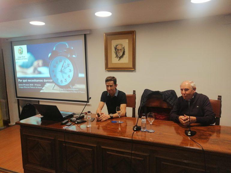 El Colegio Oficial de Médicos de Huesca muestra en una charla los beneficios de dormir bien