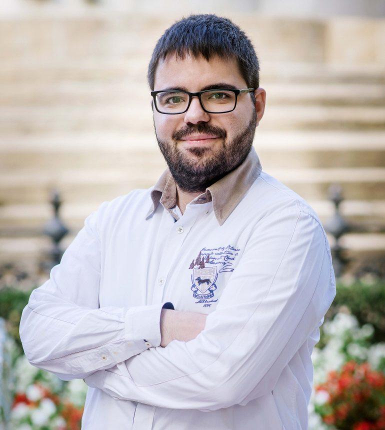 El poeta David Lorenzo presenta en Huesca 'Hablar despacio'