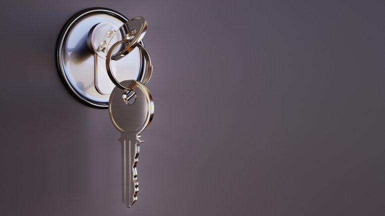 La importancia de reforzar la seguridad de viviendas y negocios con cerraduras modernas