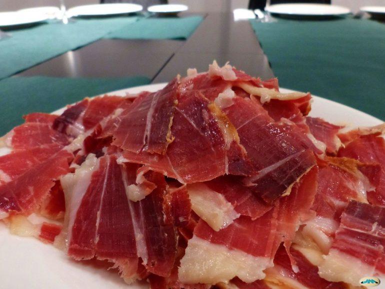 ¿Cómo diferenciar correctamente las paletas y el jamón de cerdo?