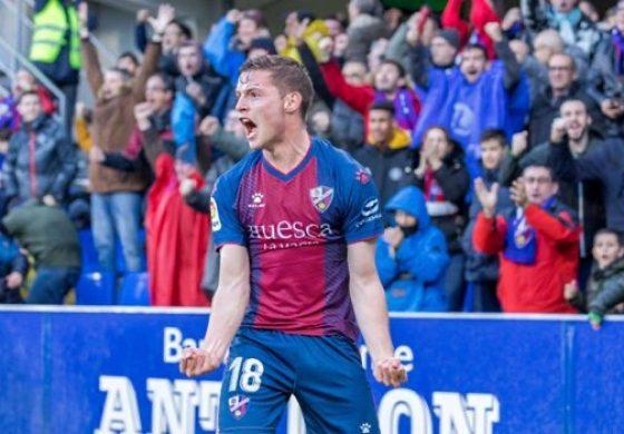 El Huesca sueña al menos con la promoción de ascenso