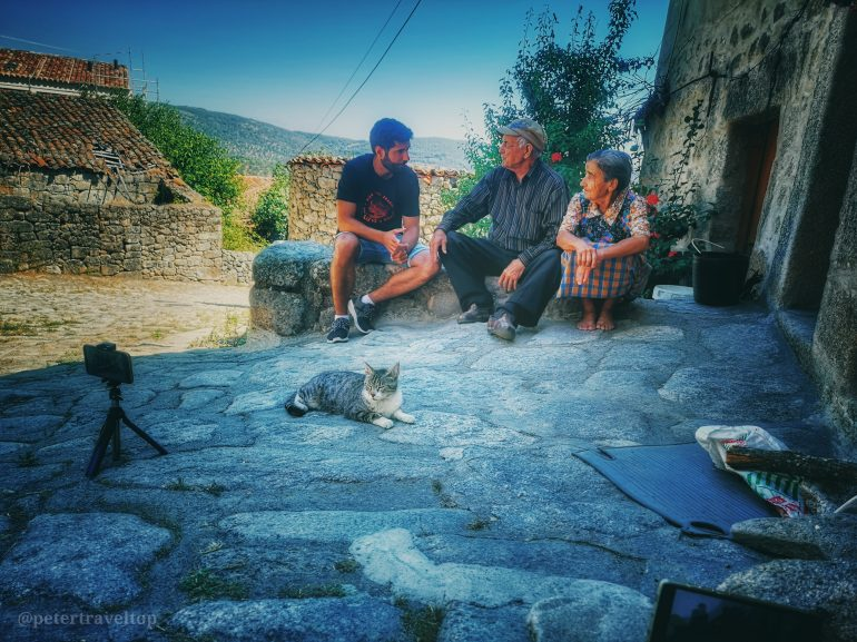 La España que abandonamos', un recorrido de seis días que retrata la vida y las experiencias de quienes siguen dando vida a esa España rural que hemos ido dejando atrás